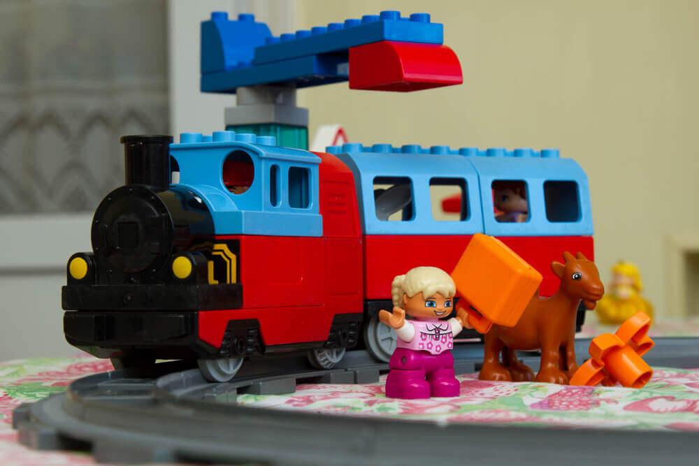oy color designer, train